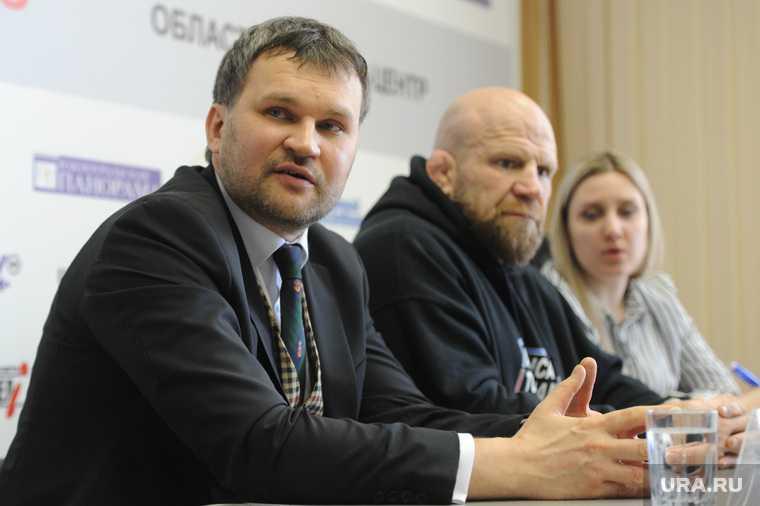Пресс-конференция Джеффа Монсона на шестой день после операции по замене тазобедренного сустава в одной из больниц Миасса. Челябинск