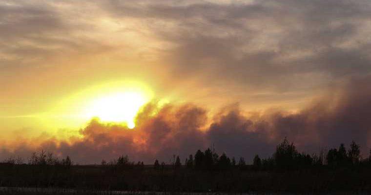 Лесной пожар приближается нефтебаза под Екатеринбургом