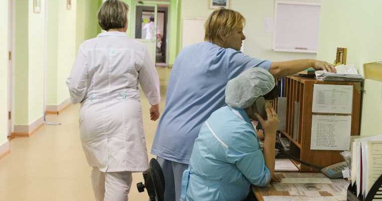 В сургуте мошенник под видом чиновника звонил в больницы