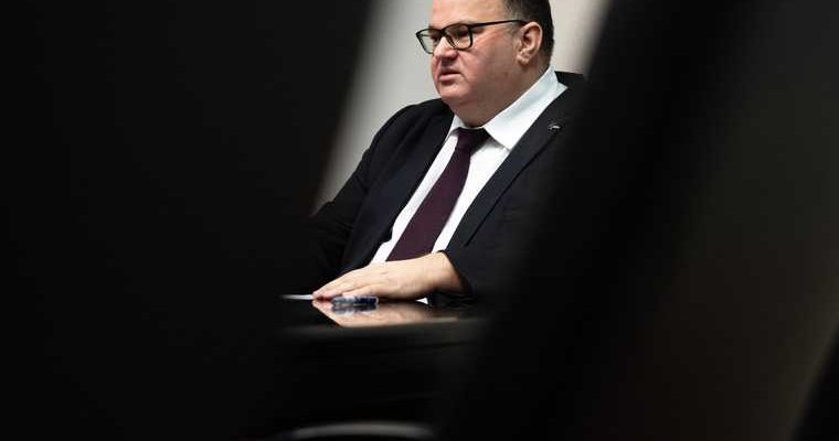 Куйвашев отправил вотставку Андрея Цветкова