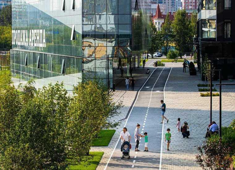 Часть благоустроенного объекта Clever park. Екатеринбург