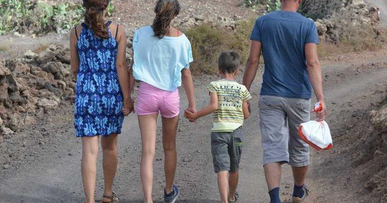 Правительство выплаты пособия семьи с детьми Россия Мишустин