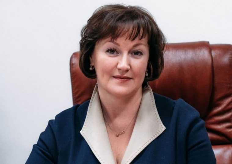 мэрия Ноябрьска заместитель главы по социальной политике назначение