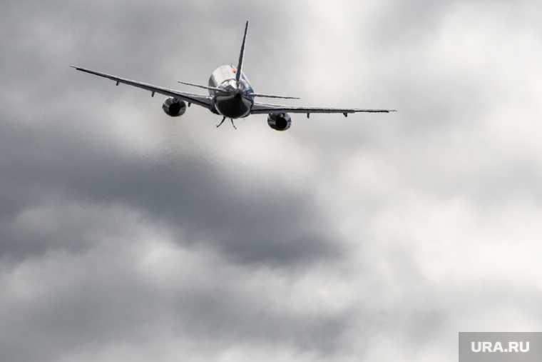 Рейс Тюмень Новый Уренгой перевели на запасной аэродром