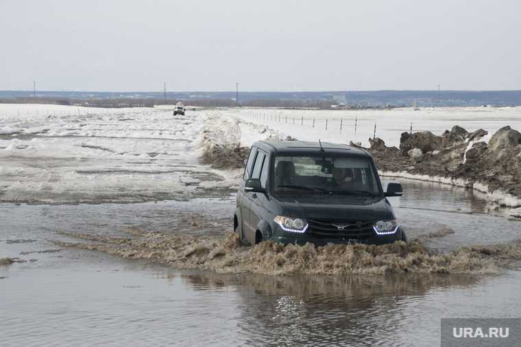Весна отрезала жителям ЯНАО дорогу в соседний город