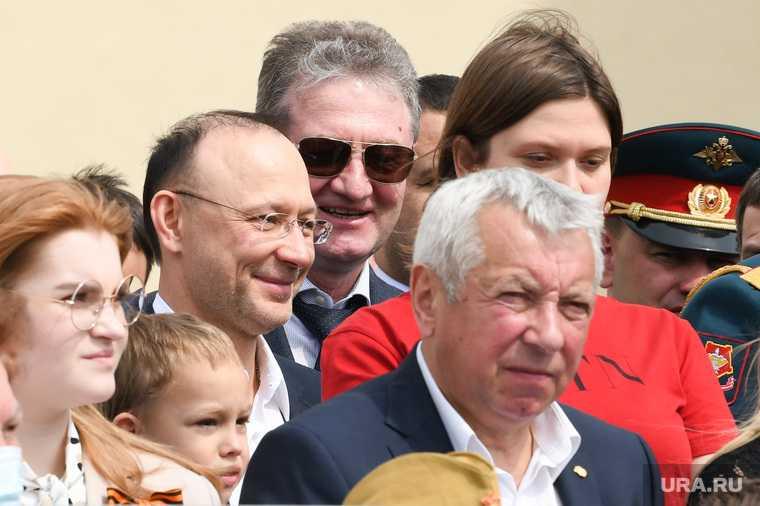 Козицын созвал свердловских VIP на второй за день парад Победы. Фоторепортаж