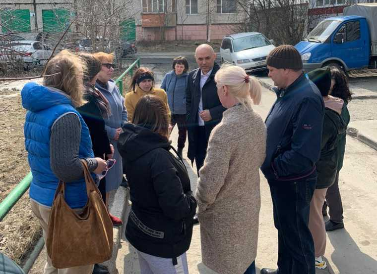 Мэра Сургута заметили во время тайного объезда города. Фото