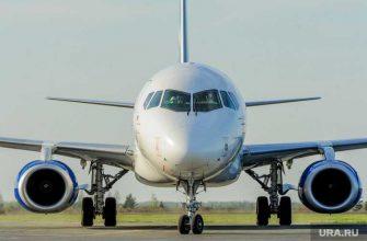 рейс из Екатеринбурга в Сочи задержан на семь часов