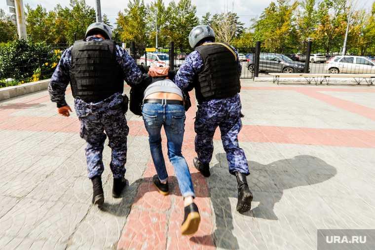 Челябинск колония ИК 2 инспектор закладки наркотики тайники задержали